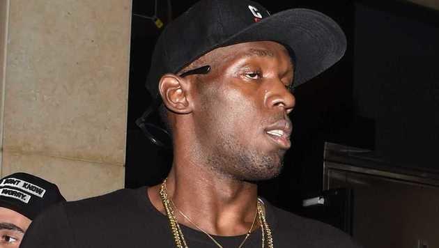 Unfassbar! Bolt feiert mit nächstem Busenwunder (Bild: viennareport)