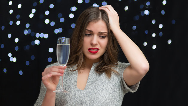 """Party trotz Partner: Was so richtig nervt? (Bild: Thinkstockphotos.de)"""