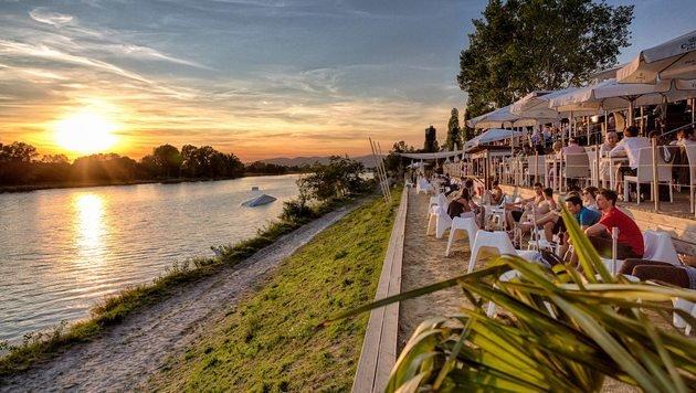 """Die Top 10 City-Beaches (Bild: facebook.com/strandbar.restaurant.wakeboardlift)"""