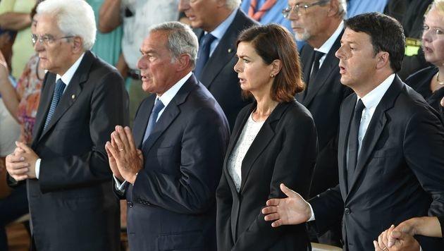 Pr�sident Mattarella, Senatspr�sident Grasso, Unterhaus-Sprecherin Boldrini, Premier Renzi (v.l.) (Bild: APA/AFP/ALBERTO PIZZOLI)