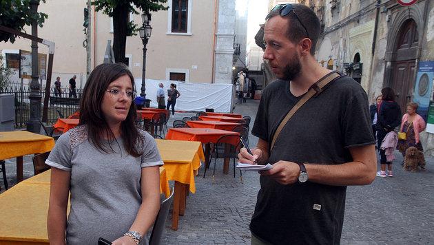 """""""Ich bin nach dem Beben weggezogen"""", berichtet Maria Teresa """"Krone""""-Reporter Matthias Lassnig. (Bild: Andi Schiel)"""
