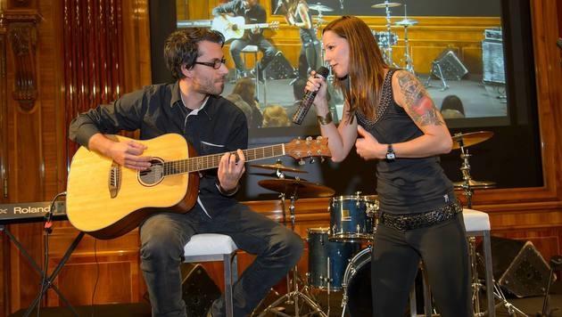 Christina Stürmer mit ihrem Freund und Bandkollegen Oliver Varga (Bild: Viennareport)