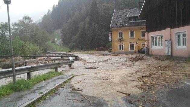 Chaos nach Unwettern in Kärnten und der Steiermark (Bild: FF Winklern)