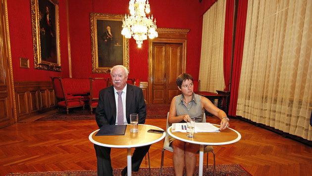 Michael Häupl mit Sonja Wehsely im Roten Salon des Rathauses (Bild: Reinhard Holl)