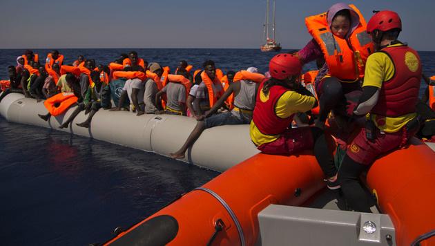 EU soll Grenzkontrollen weiterhin ermöglichen (Bild: AP)
