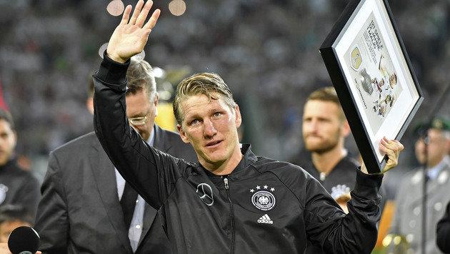 Schweinsteiger sagt unter Tränen Adé zum DFB-Team! (Bild: AP)