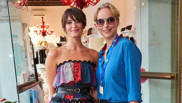 Gemma Arterton mit Nina Hoss (Bild: Starpix/Alexander TUMA)