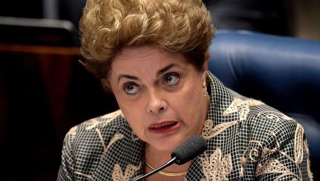 """Brasiliens Präsidentin Dilma Rousseff spricht von einem """"Putsch"""". (Bild: APA/AFP/EVARISTO SA)"""