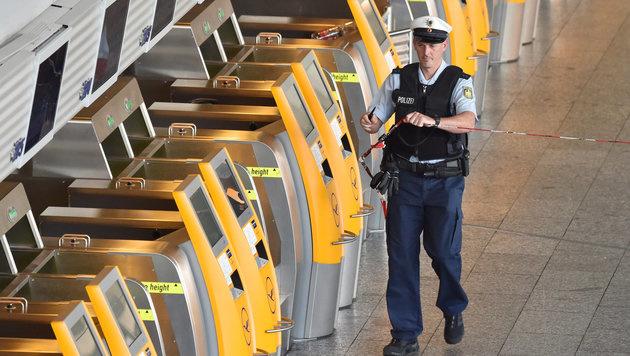 Frankfurt: Entwarnung nach Bombenalarm am Airport (Bild: APA/dpa/Boris Roessler)