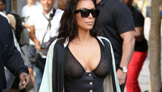 Kim Kardashian mit Nippel-Blitzer in New York (Bild: Viennareport)