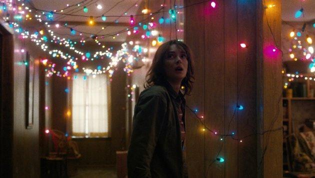 "Winona Ryder als Mutter Joyce in ""Stranger Things"" (Bild: Netflix)"