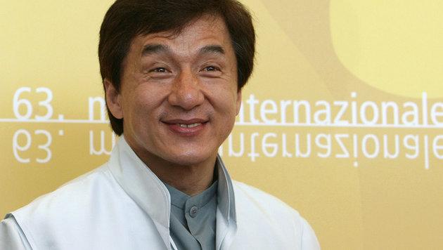 Jackie Chan erhält Oscar für sein Lebenswerk (Bild: APA/AFP/ALBERTO PIZZOLI/picturedesk.com)