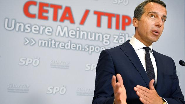 Kanzler Kern will nun eine breite Diskussion �ber CETA starten. (Bild: APA/ROLAND SCHLAGER)