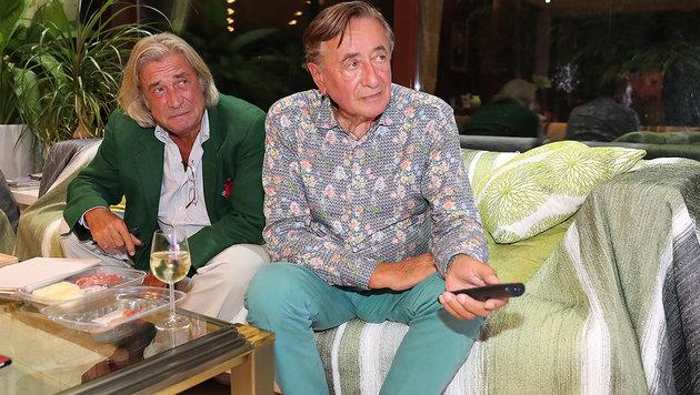 """Michael Jeannée und Richard Lugner beim """"Spatzi""""-Schauen (Bild: Kristian Bissuti, Kronen Zeitung)"""