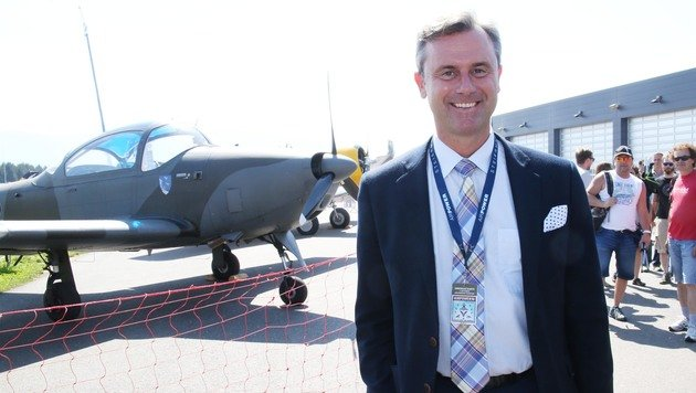 Präsidentschaftskandidat Norbert Hofer bei der Airpower16 (Bild: Jürgen Radspieler)