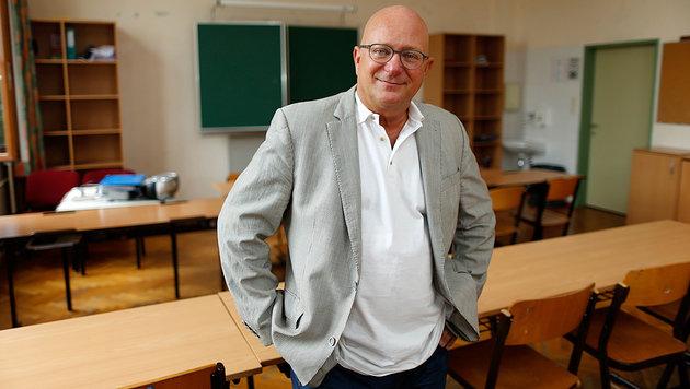 Lehrer und Buchautor Niki Glattauer freut sich schon auf das neue Schuljahr. (Bild: Reinhard Holl)