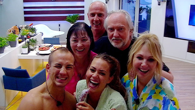 Die Luxusgruppe: Frank, Jessica, Dolly (vorne v. li.); Isa und Joachim (Mitte) und Mario (oben) (Bild: SAT.1)