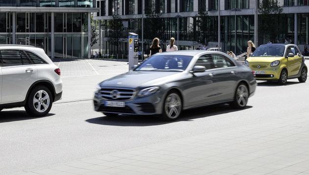 Mercedes macht das Auto zur Parkplatz-Suchmaschine (Bild: Daimler AG)