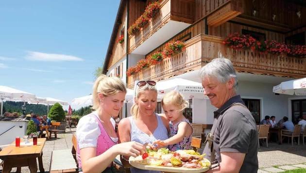 Bei einem Zwischenstopp kann man sich Schmankerln im Gasthaus Windlegern schmecken lassen. (Bild: Chris Koller, Kronen Zeitung)