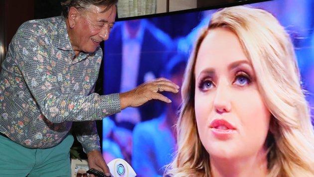 Richard Lugner streichelt seiner Frau am Bildschirm über die Wange (Bild: KRISTIAN BISSUTI)