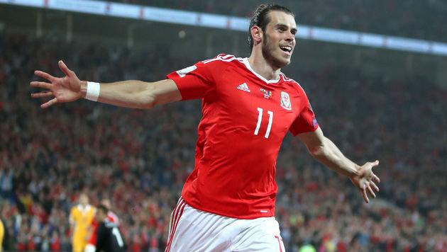 Wales-Star Gareth Bale jubelt! (Bild: AP)