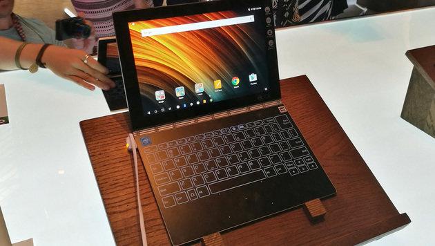 Yoga Book: So fühlt sich die Tablet-Innovation an (Bild: Dominik Erlinger)