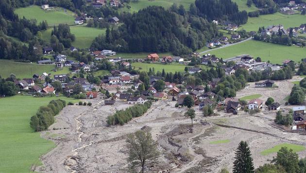 Kärnten: Ausnahmezustand nach heftigen Unwettern (Bild: APA/GERT EGGENBERGER)