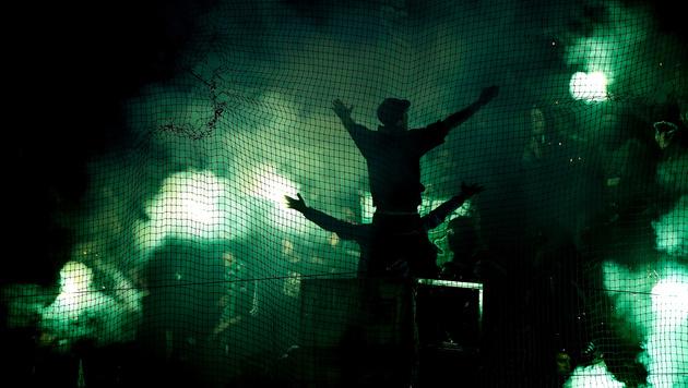 Griechische Fans (Symbolbild) (Bild: GEPA)