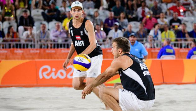 """In Rio überzeugten Xandi Huber (re.) und Robin Seidl mit Platz neun - nun gab""""s die Trennung. (Bild: 2016 FIVB)"""