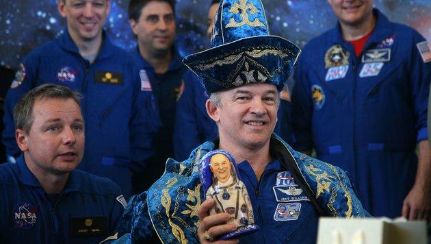 Rekord-Astronaut von ISS zur Erde zurückgekehrt (Bild: APA/AFP/POOL/MAXIM SHIPENKOV)