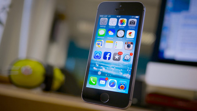 Attentäter-iPhone geknackt: Medien verklagen FBI (Bild: flickr.com/janitors)