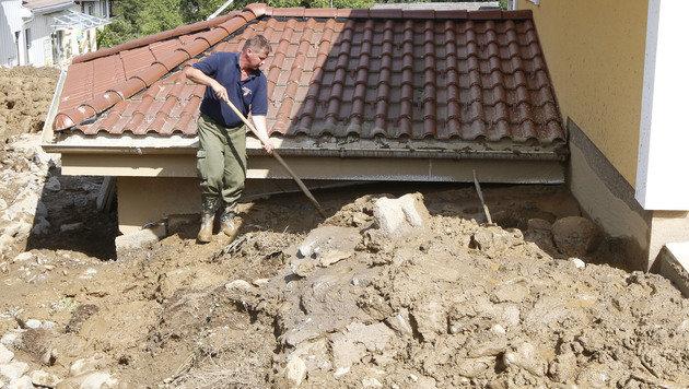 Kärnten: Bewohner dürfen zurück in ihre Häuser (Bild: APA/GERT EGGENBERGER)
