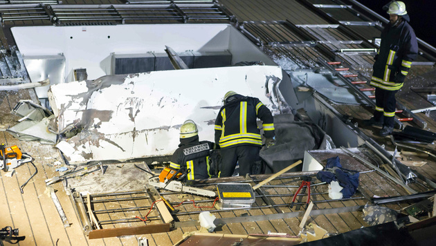 Hotelschiff rammt Brücke: Zwei Tote in Bayern (Bild: APA/dpa/Marcus Weier)