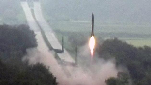Start einer ballistischen nordkoreanischen Rakete (Bild: AP)