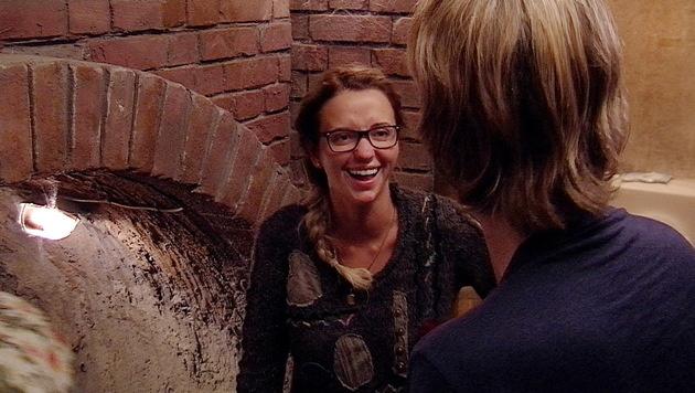 Mit Robin Bade versteht sich Cathy richtig gut. (Bild: Sat.1)