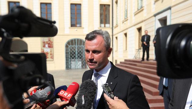 """Hofer auf """"Staatsbesuch"""" bei Tschechiens Präsident (Bild: AP)"""