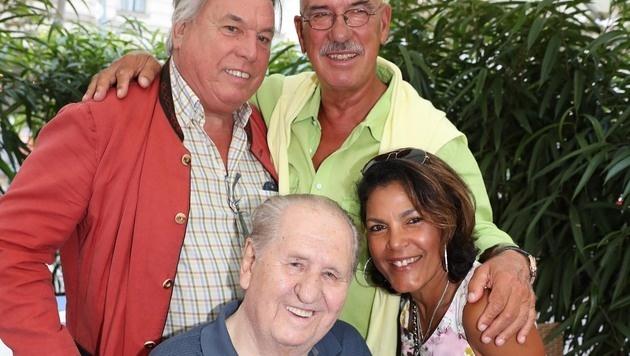 Puskas, Retzer mit Ehefrau Shirley sowie Karl 'Capo' Spiehs im 'Sven's Sohn' (Bild: KRISTIAN BISSUTI)