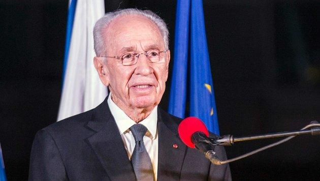 Zustand von Israels Ex-Präsident weiterhin ernst (Bild: AFP)