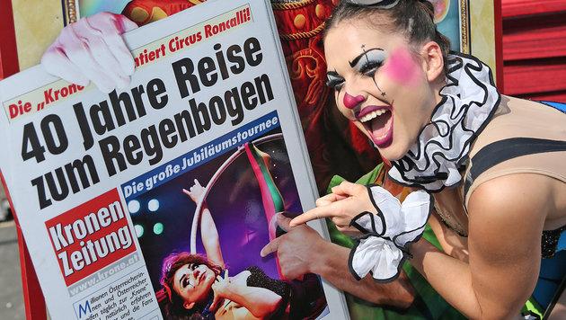 """""""Was für ein Familien-Zirkus! (Bild: KRONEN ZEITUNG)"""""""