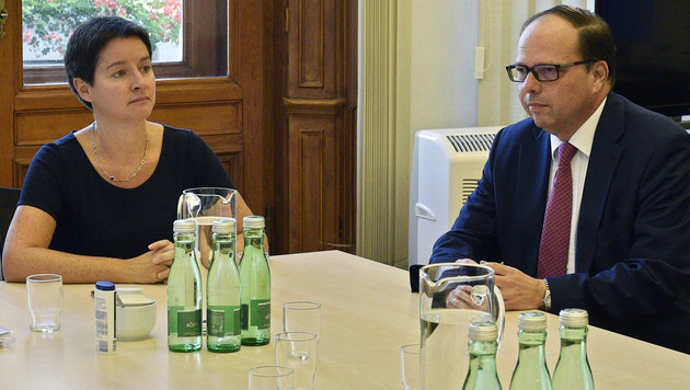 Stadträtin Sonja Wehsely und Ärztekammerpräsident Thomas Szekeres (Bild: APA/HANS PUNZ)