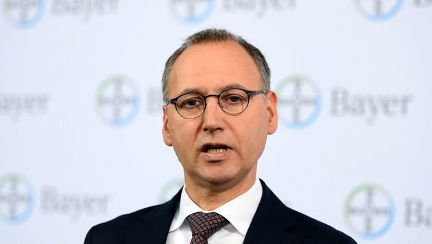 Bayer-Geschäftsführer Werner Baumann (Bild: APA/AFP/ROBERTO PFEIL)