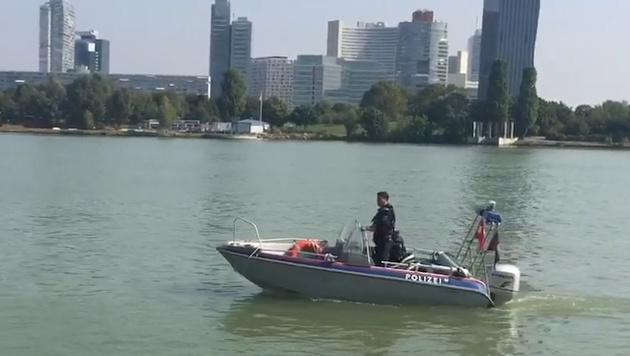Wien: Leiche von 26-Jähriger aus Donau geborgen (Bild: Andi Schiel)