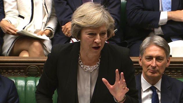 Premierministerin Theresa May übernahm von Vorgänger David Cameron das Projekt und stimmte nun zu. (Bild: APA/AFP/PRU)