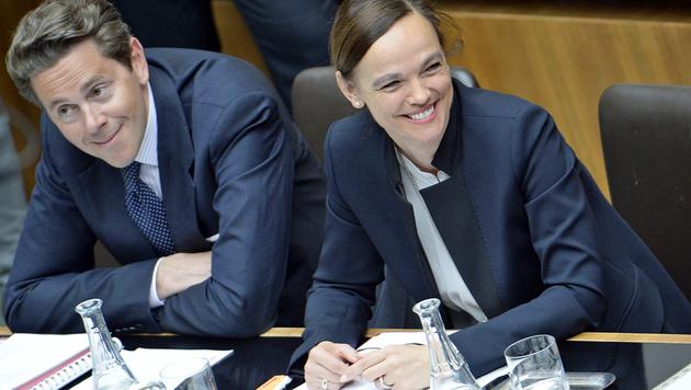 Gefordert: Staatssekret�r Mahrer und Ministerin Hammerschmid (Bild: APA/Robert J�ger)