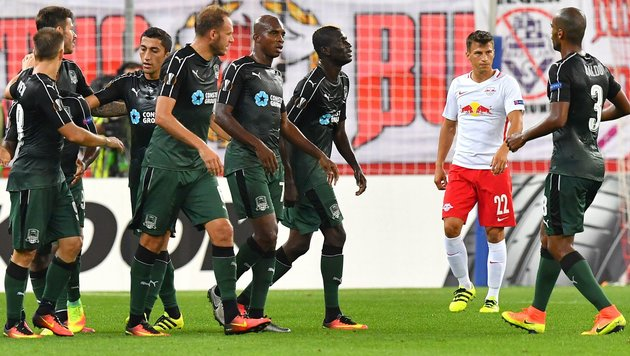 Red Bull Salzburg blamiert sich in Europa League (Bild: APA/AFP/WILDBILD)