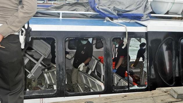 Explosion auf Ausflugsschiff: Österreicherin tot (Bild: Associated Press)