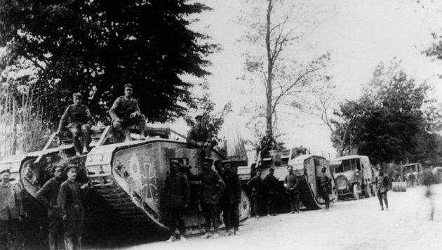 Kurz nach dem ersten Einsatz durch die Briten kamen auch auf deutscher Seite Panzer zum Einsatz. (Bild: Deutsches Bundesarchiv)