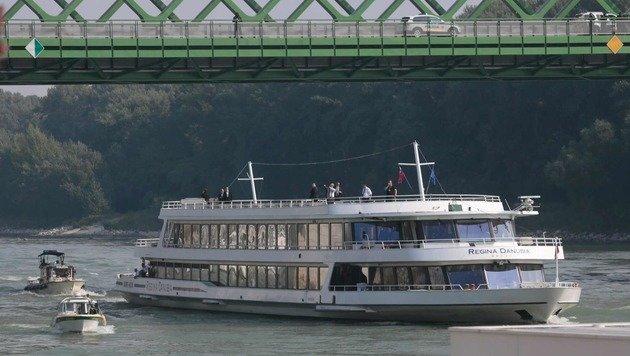 Mittagessen gab es für die Gipfelteilnehmer auf diesem Schiff. (Bild: ASSOCIATED PRESS)