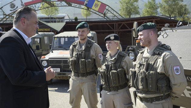 Verteidigungsminister Doskozil auf Truppenbesuch im Kosovo (Bild: APA/BUNDESHEER/PUSCH)