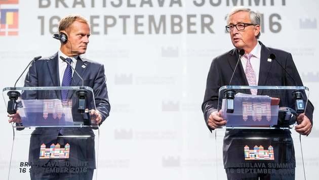 Nicht einmal die EU-Oberhäupter Juncker (re.) und Tusk (li.) kamen auf einen grünen Zweig. (Bild: AFP or licensors)